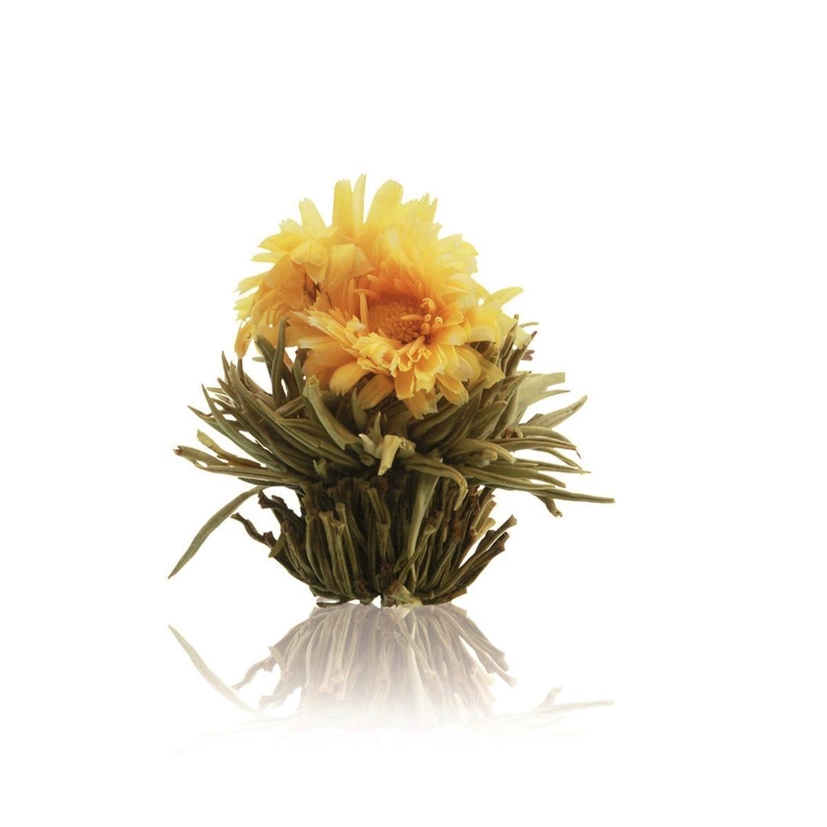 Floare de ceai alb cu galbenele